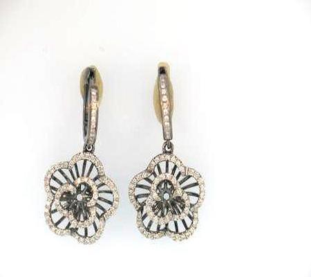 14k White Gold Flower Diamond Earrings              17-00106