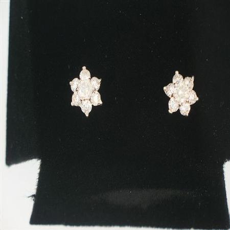 14k White Gold Diamond Earrings                                      A36445