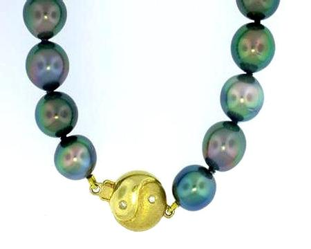 Tahitian Pearl Strand with 18k Yellow Gold Diamond Clasp              TP4010-N1